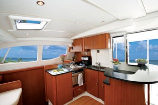 Leopard 46 - galley